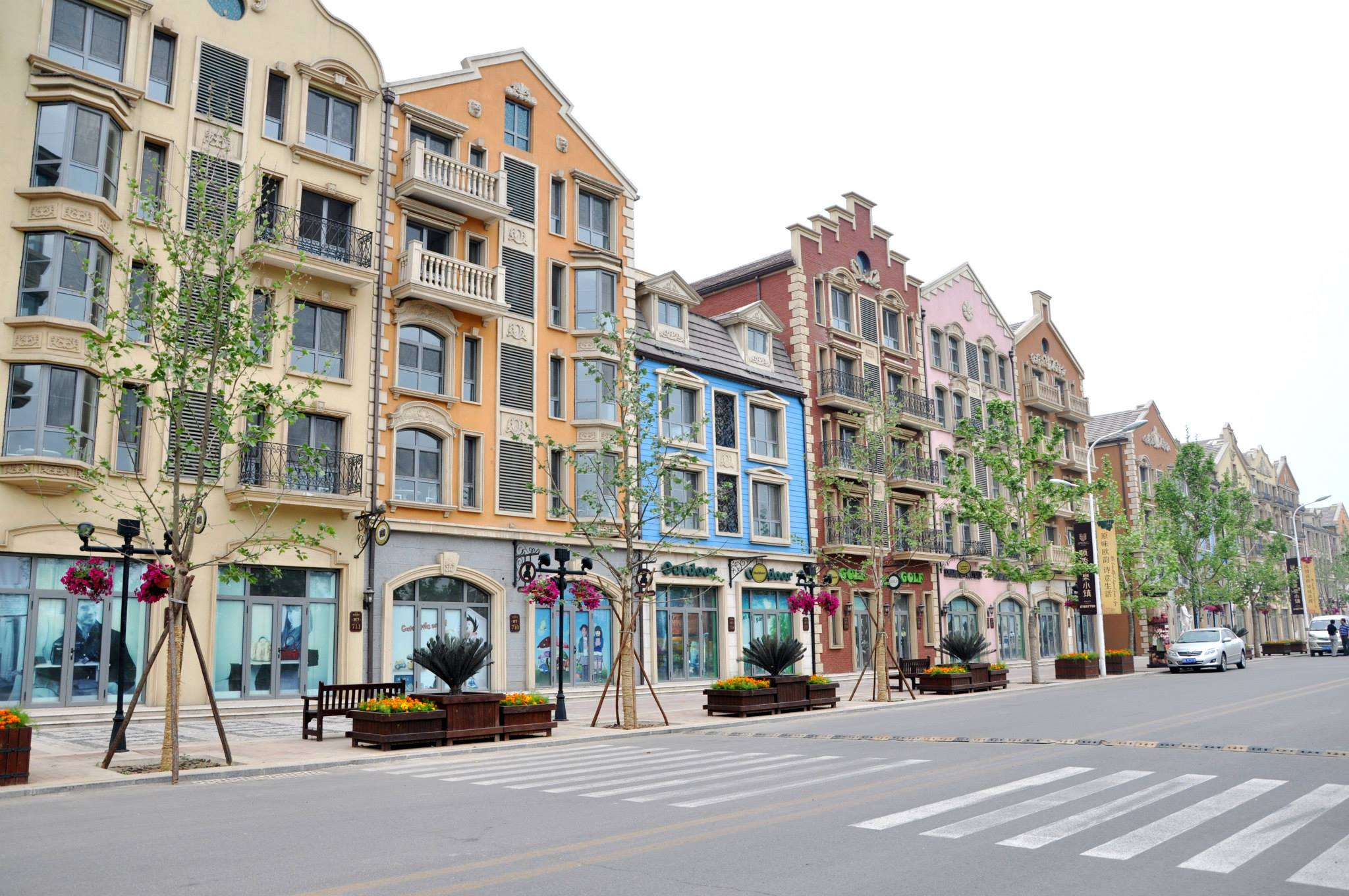 China's Eerie Faux-European Ghost Towns